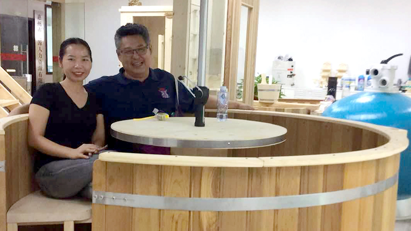 Dated Sep.04th, 2018, One of Thailand customer visit us to check his interested item: Wooden hot tub.